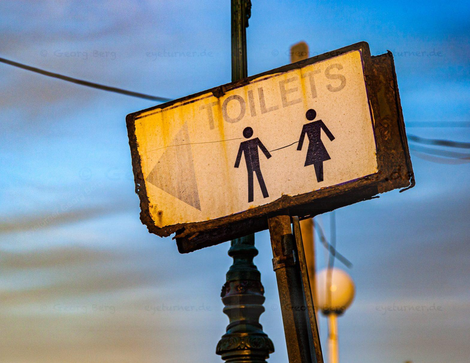 Signpost to Toilets in Malta